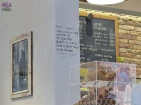 La Gelateria Arte del gelato, a Porta Leoni, è perfettamente accessibile alle persone che si muovono in carrozzina: l'entrata ha uno scalino molto basso e il locale è tutto su un unico livello. Servono gelati e torte gelato artigianali, granite siciliane, yogurt, frullati e frappé.