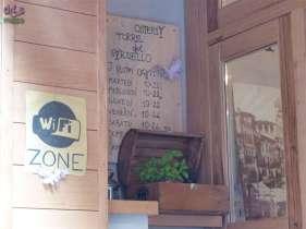 La nuova Osteria Torre del Gardello, in Corso Sant'Anastasia 20, è accessibile alle carrozzine per il piano terra la cui entrata è a filo del marciapiede; non c'è bagno disabili. In un ambiente completamente rinnovato, lo staff vi aspetta per degustare i migliori prodotti tipici locali accompagnati da una selezione di vini del territorio.