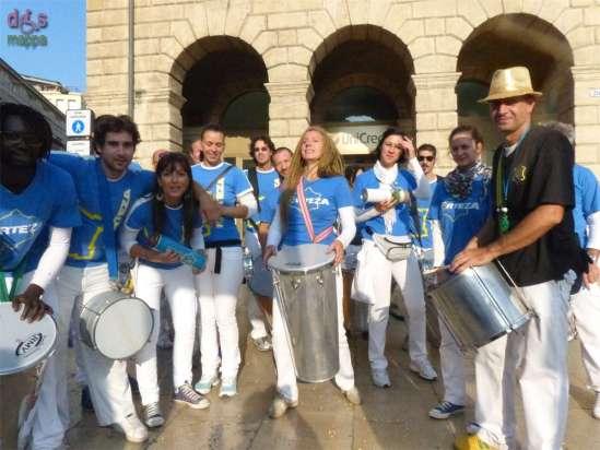 Il gruppo di percussionisti Fortezatestimoni (pieni di ritmo) di accessibilità per dismappa
