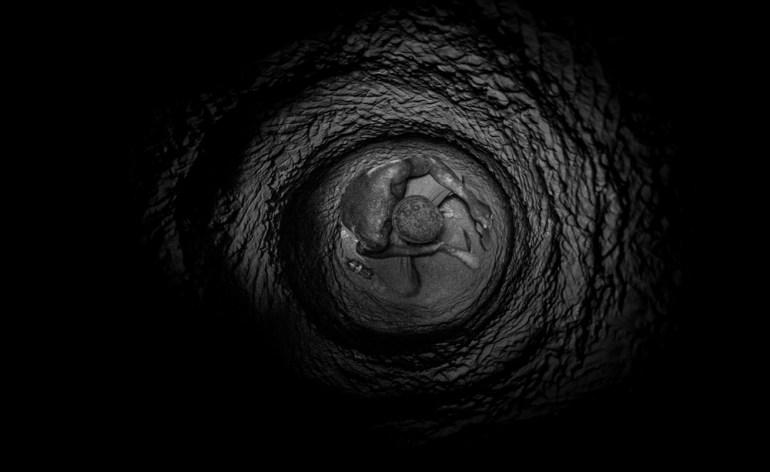Je Reviens un foto racconto sulla rotta dei migranti di Giovanni Cobianchi Evento realizzato da Fondazione San Zeno in collaborazione con Museo africano inserito nella programmazione del XXXIV Festival di Cinema Africano di Verona Un racconto fotografico di un viaggio che inizia a Lampedusa e arriva fino in Mali, attraversando Tunisia, Libia, Niger e Costa d'Avorio.