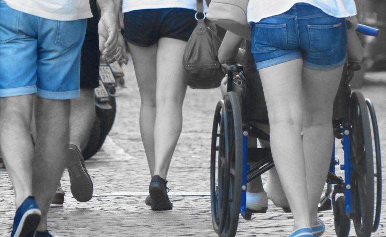20140818-gambe-carrozzina-disabile-verona