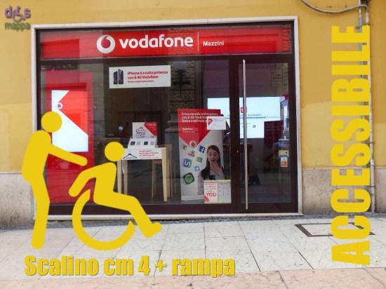88-Vodafone-via-Mazzini-Verona-Accessibilita-disabili