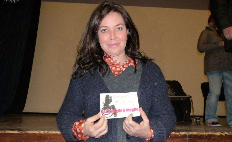 """La grande Sabina Guzzanti testimone per dismappa dopo la proiezione del suo ultimo film """"La trattativa"""" a Verona."""