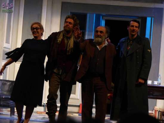 Tanti applausi per Alessandro Haber, Alessio Boni, Nicoletta Robello Bracciforti e Alessandro Tedeschi per la prima de Il Visitatore al Teatro Nuovo di Verona