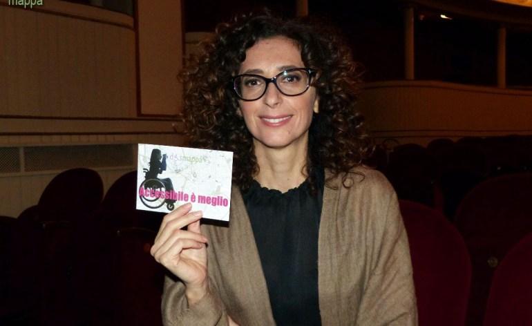 L'attrice Teresa Mannino testimone di accessibilità per dismappa al Teatro Nuovo, dopo il suo divertentissimo Sono nata il ventitre