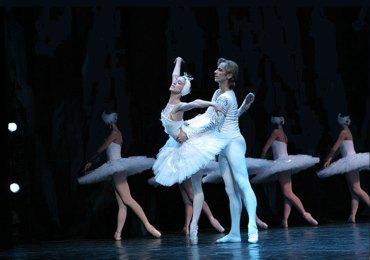 Lago-dei-cigni-Ballet-of-Moscow-Verona