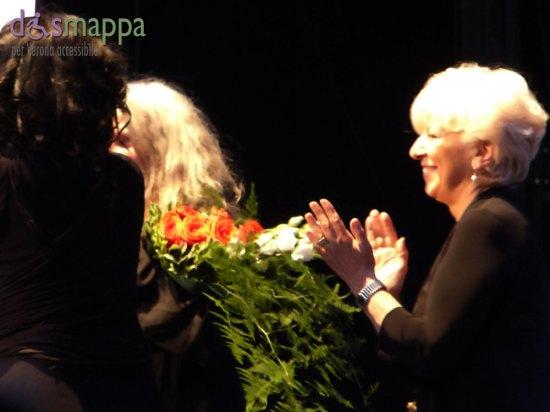 """Applausi e ovazioni al concerto di Patti Smith per i 40 anni di Horses al Teatro Romano di Verona, Rassegna Rumors (direzione artistica Elisabetta Fadini).  Prima del concerto Patti Smith ha ricevuto un premio dalla Città di Veronain quanto """"Ambasciatrice dell'amore e della bellezza dell'arte in tutto il mondo"""", consegnato dall'Assessore Anna Leso"""