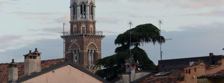 20150620 Torre dei Lamberti da Teatro Romano Verona dismappa 470
