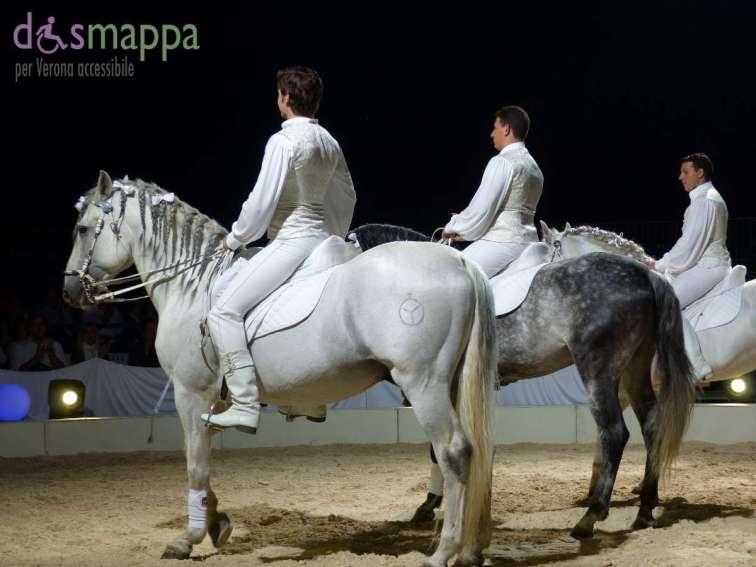 20150625 White teatro equestre Verona dismappa 590
