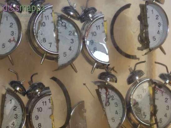20150629 Arman Inclusione sveglie resina Verona dismappa 49