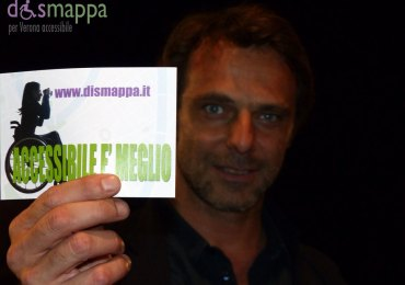 L'attore Alessandro Preziosi testimone di accessibilità per dismappa, dopo la prima di Rosencrantz e Guilderstern sono morti (di cui è produttore) al Teatro Romano di Verona.