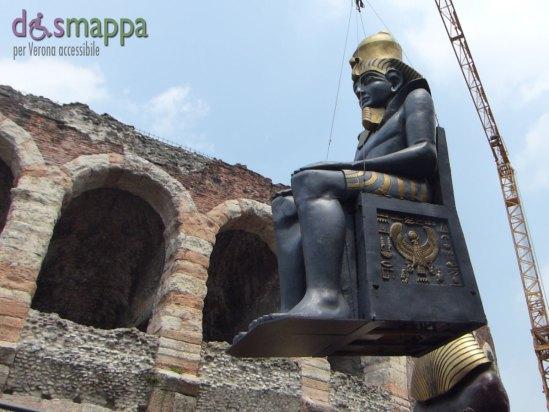 La legatura e trasporto all'interno dell'Arena di Verona di una delle faraoniche scenografie dell'opera Aida