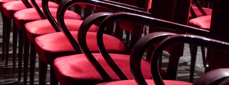 20150928 0150928 Sedie velluto rosso palco Teatro Nuovo Verona dismappa 14