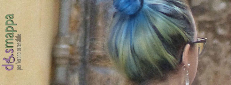 20151108-ragazza-capelli-giallo-blu-chignon-Verona-dismappa