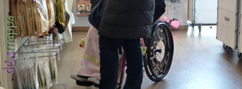 20160222 Disabile carrozzina negozio Tiger Verona dismappa