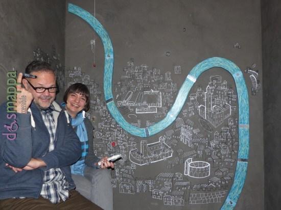 Mauro Marchesi Isabella Bellinazzo, gli artisti che hanno dipinto la parete del bagno di Casa disMappa a Verona