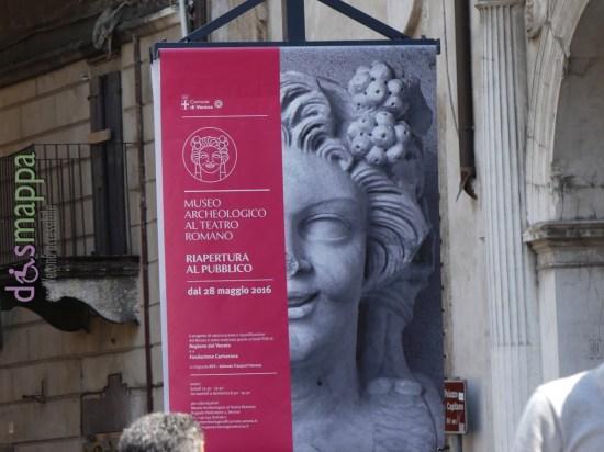3 anni di restauro non sono serviti per rendere accessibile il Museo Archeologico del Teatro Romano, riaperto ieri, dove i turisti in sedia a rotelle continueranno, come prima, a essere esclusi.