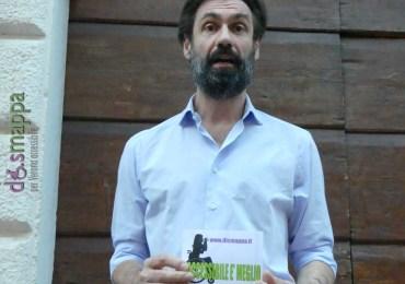 L'attore Fabrizio Gifuni, che tornerà stasera al Teatro Romano dopo il grande successo dell'anno scorso, testimone di accessibilità per dismappa.
