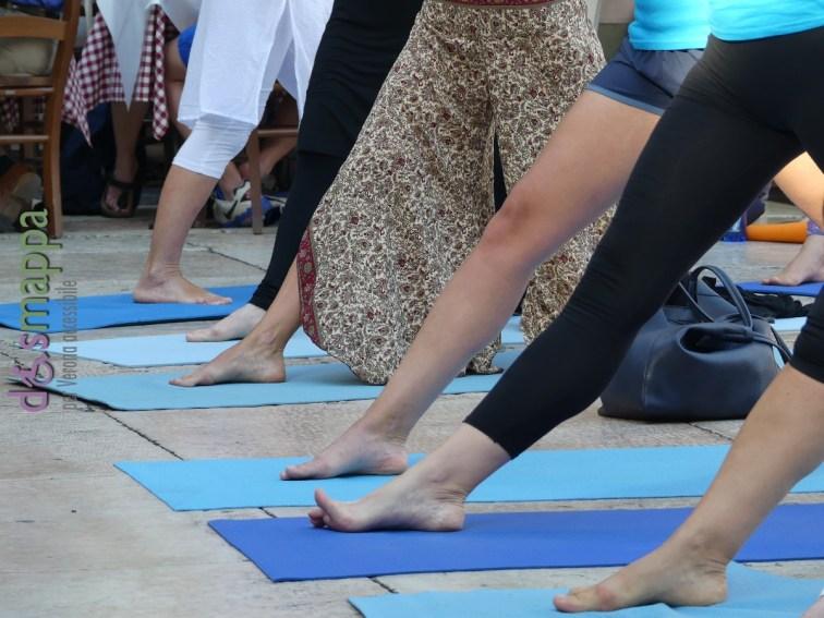 20160621 International Day Yoga Piazza Erbe Verona dismappa 1005