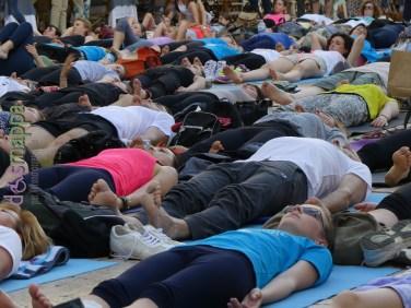 20160621 International Day Yoga Piazza Erbe Verona dismappa 1084
