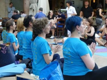 20160621 International Day Yoga Piazza Erbe Verona dismappa 1125