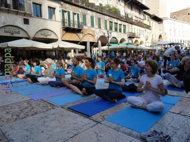 20160621 International Day Yoga Piazza Erbe Verona dismappa 982
