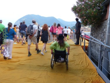 20160629 Christo Floating Piers Jeanne Claude Iseo disabili dismappa 1625