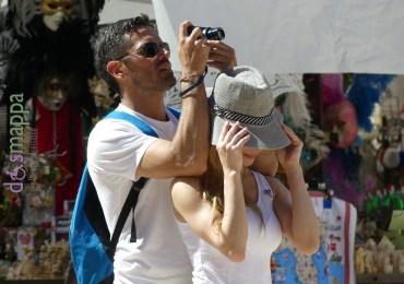 20160807 Coppia turisti foto Piazza Erbe Verona 17
