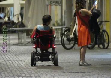 20160807 Turista disabile carrozzina elettrica foto Verona dismappa 5