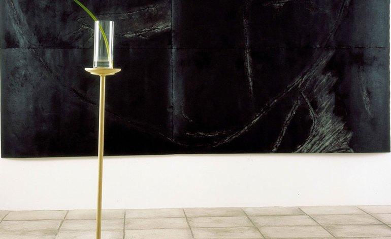 Studio la Città apre a settembre la nuova stagione espositiva 2016/17, presentando una selezione di opere di Pier Paolo Calzolari tratte dalla propria collezione. La mostra, che inaugura a Verona sabato 24 settembre 2016 alle ore 11.30, propone un percorso attraverso i diversi periodi e cifre stilistiche dell'artista: dalla radicale messa in discussione della rappresentazione degli anni '70, fino alle opere degli anni 2000.