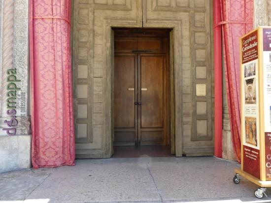 Porta entrata Duomo Verona