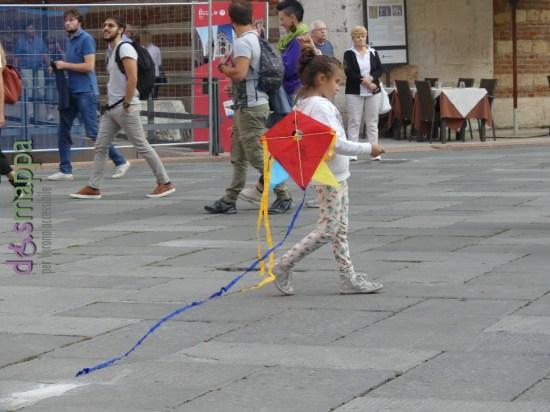 20160925-bambina-aquilone-piazza-dante-verona-dismappa-465