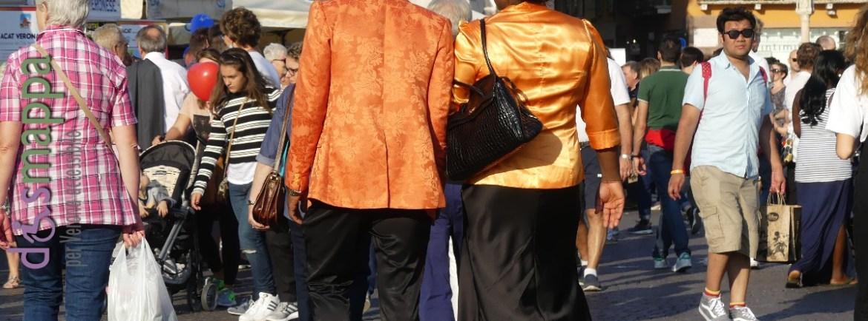 20160925-black-orange-turisti-verona-dismappa-420