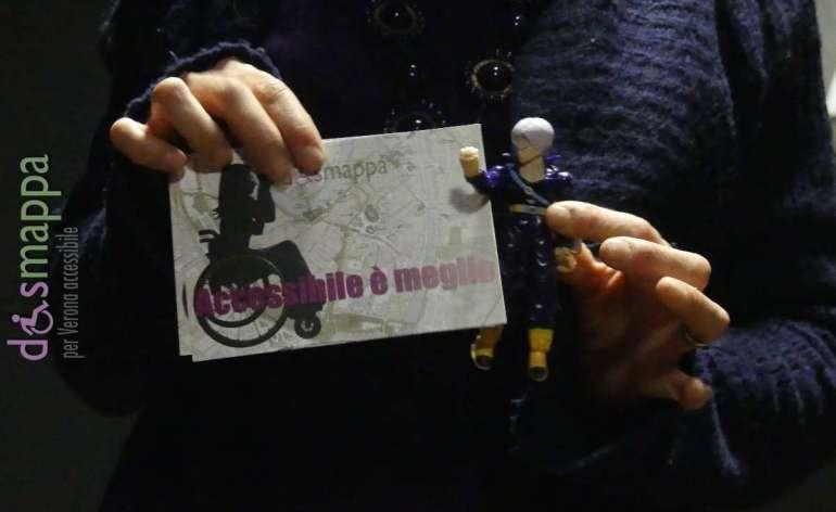 L'attrice Eliana Cantone e l'autore e regista Giordano Amato, della Compagnia Mutamento Zona Castalia, testimoni di accessibilità per dismappa al Teatro Laboratorio di Verona.
