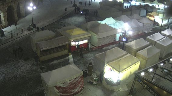 20171210 Piazza Bra Arena Santa Lucia Verona neve webcam