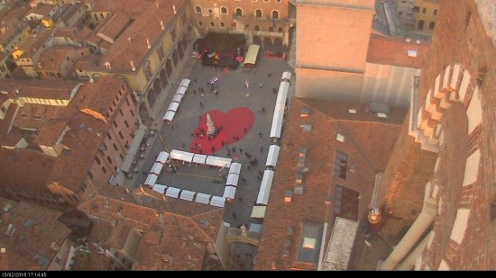 20180215 Piazza Dante cuore San Valentino Verona in love webcam