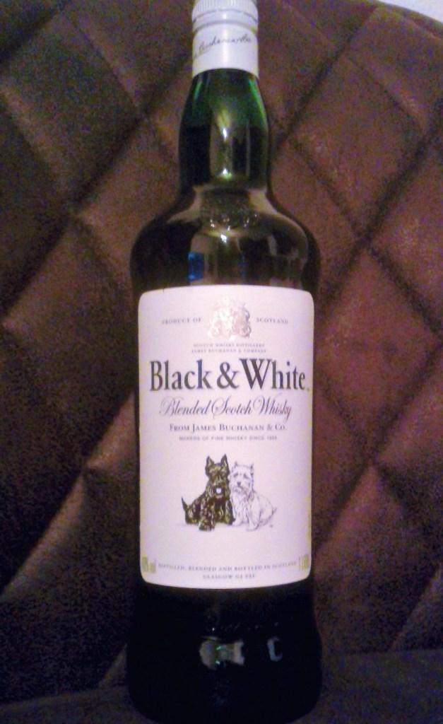 Eine Flasche Black & White