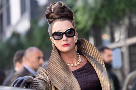 Emma Thompson als Baronin von Hellman