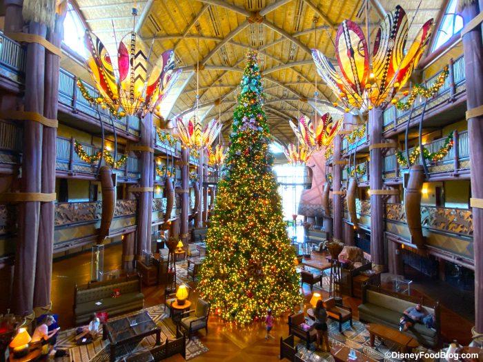 animal kingdom lodge jambo house lobby christmas tree