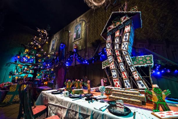 Mickey's-Halloween-Party-Disneyland-Haunted-Mansion
