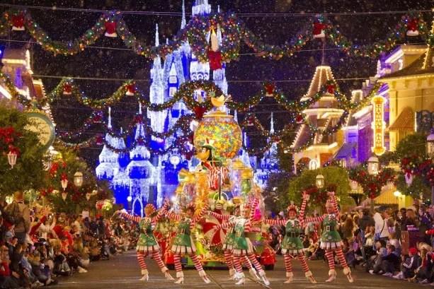 walt-disney-world-mickey's-very-merry-christmas