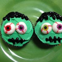 """Countdown To Halloween -Easy and """"Eye"""" Catching Treats"""