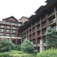 """Disney's Wilderness Lodge-Luxurious """"Roughing"""" It The Deluxe Way"""