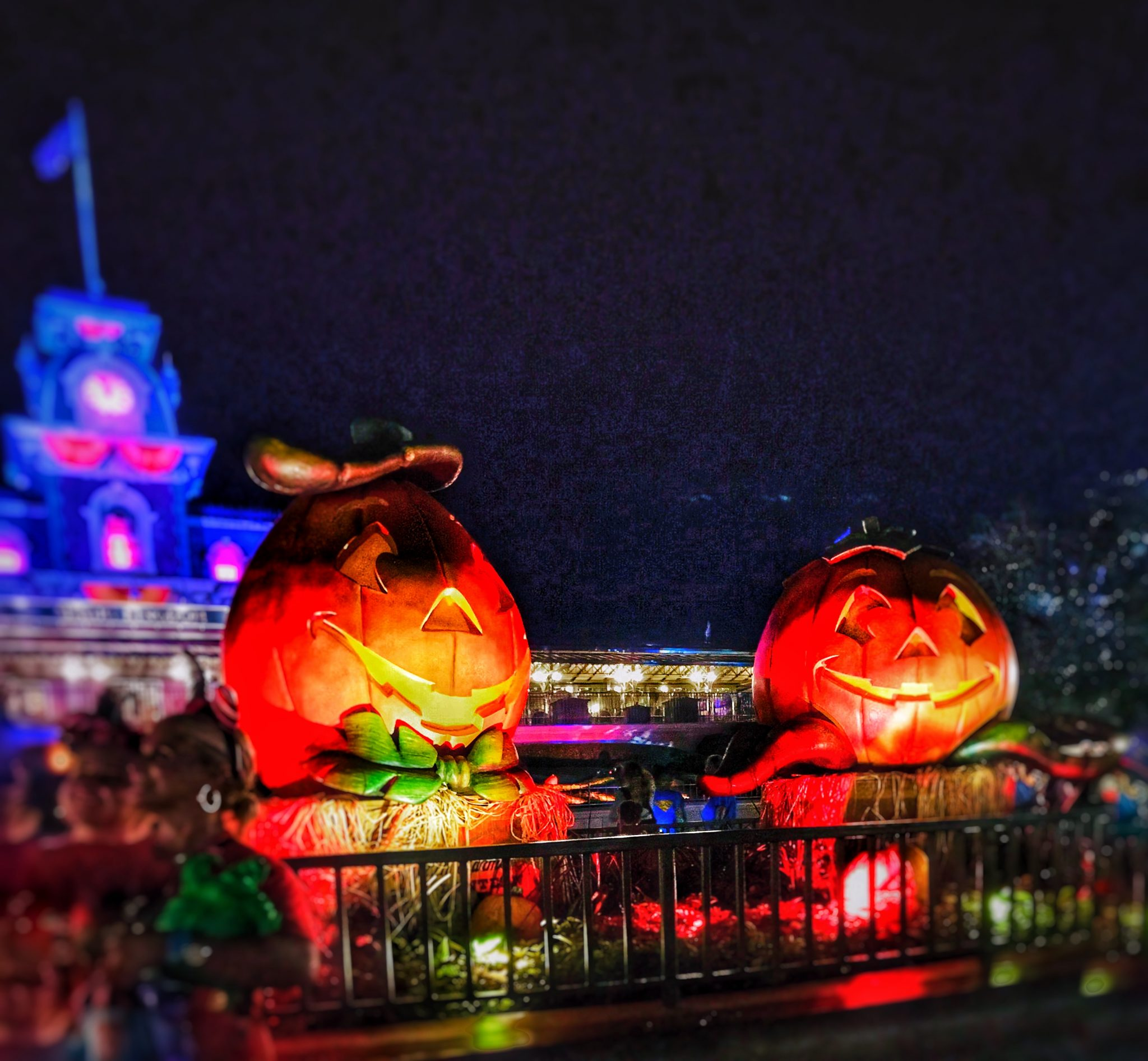 the complete insider's guide to mickey's not-so-scary halloween