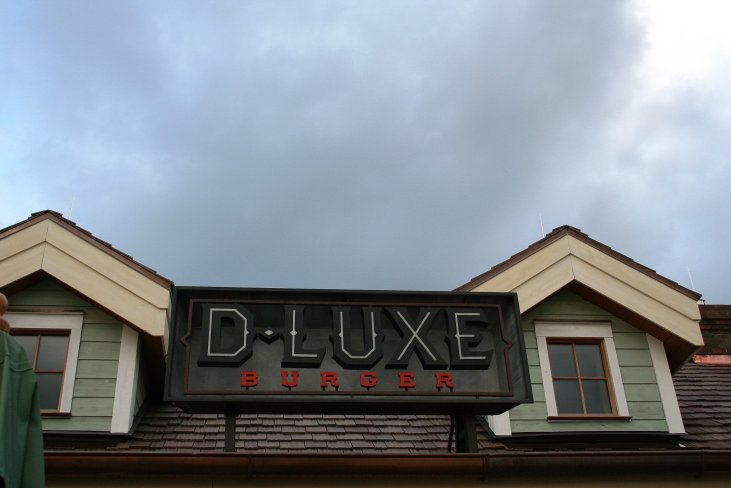 D-Luxe Burger - Disney in your day