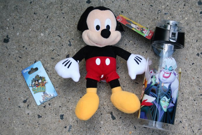 Mickey Monthly original box - Disney in your Day