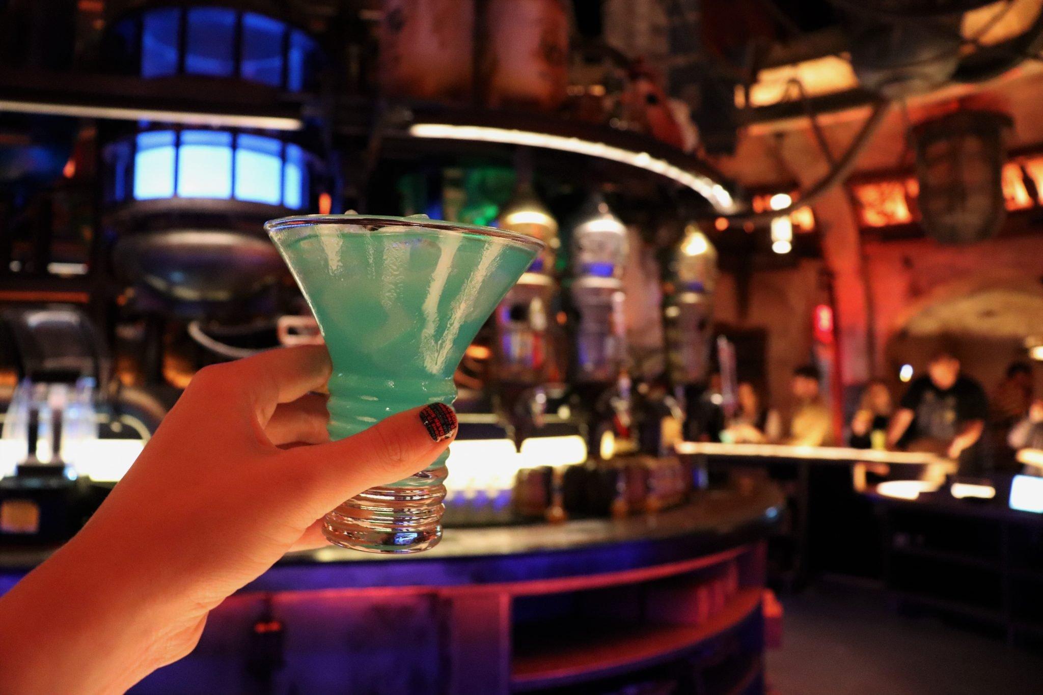 drinks at Oga's Cantina - Jedi mind trick