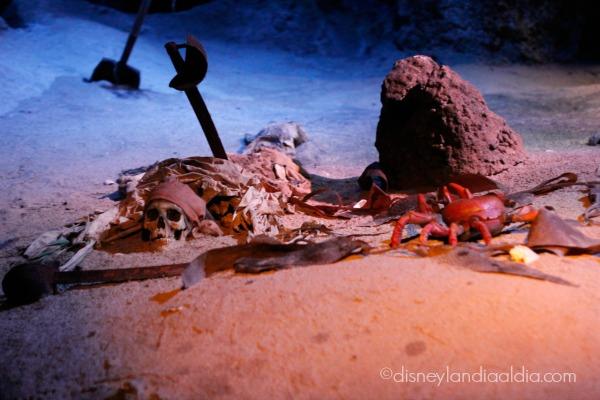 Detalle del paseo de Piratas del Caribe en Disneylandia