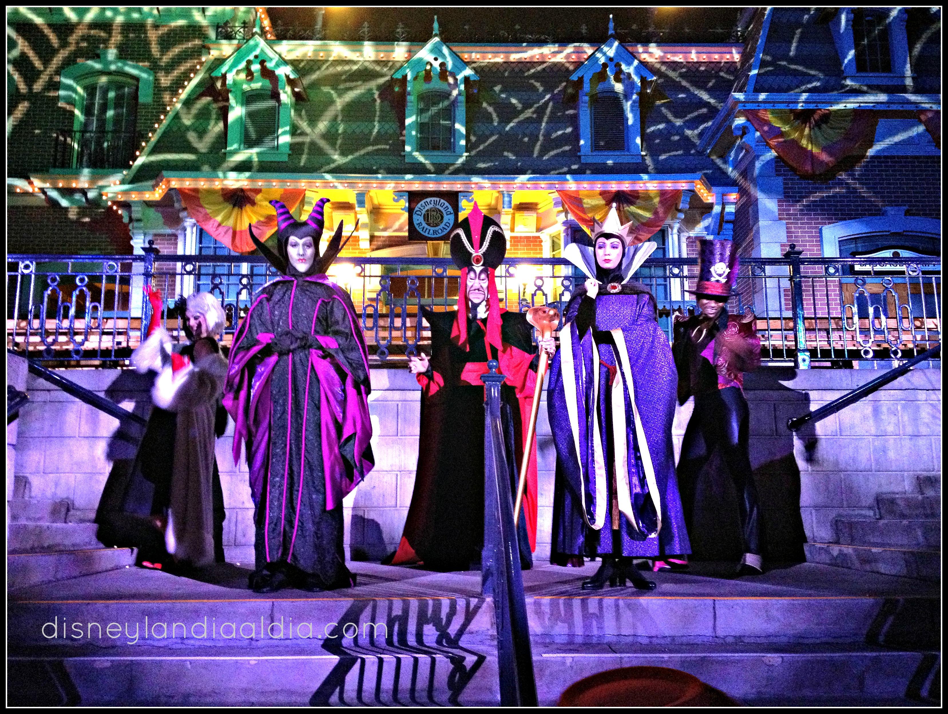 gana-boletos-para-mickeys-halloween-party-win-tickets-to-mickeys-halloween-party