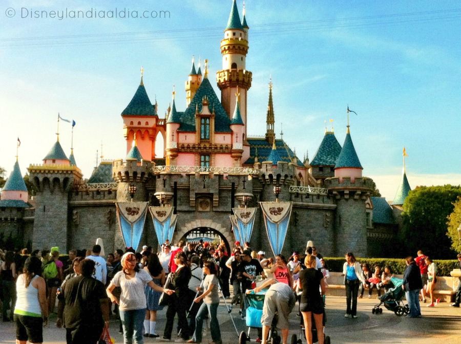 aniversario-magico-video-de-la-construccion-de-disneylandia